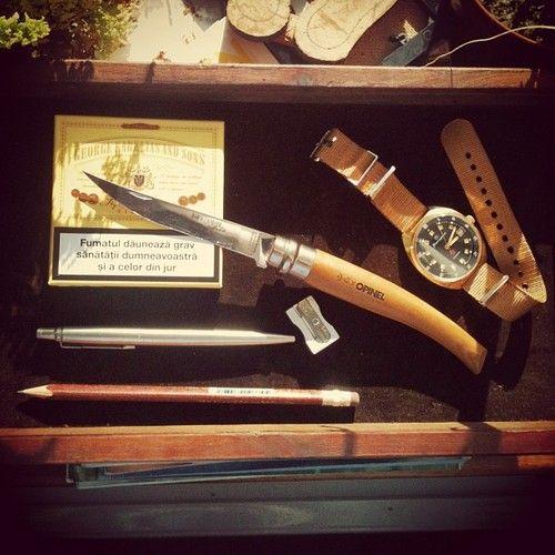 Нож филейный Opinel №15 VRI Folding Slim Beechwood (нержавеющая сталь)